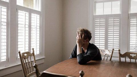 """Coronavirus, lo psichiatra: """"Serve una data per la fine dell'isolamento, non averla crea ansia"""""""